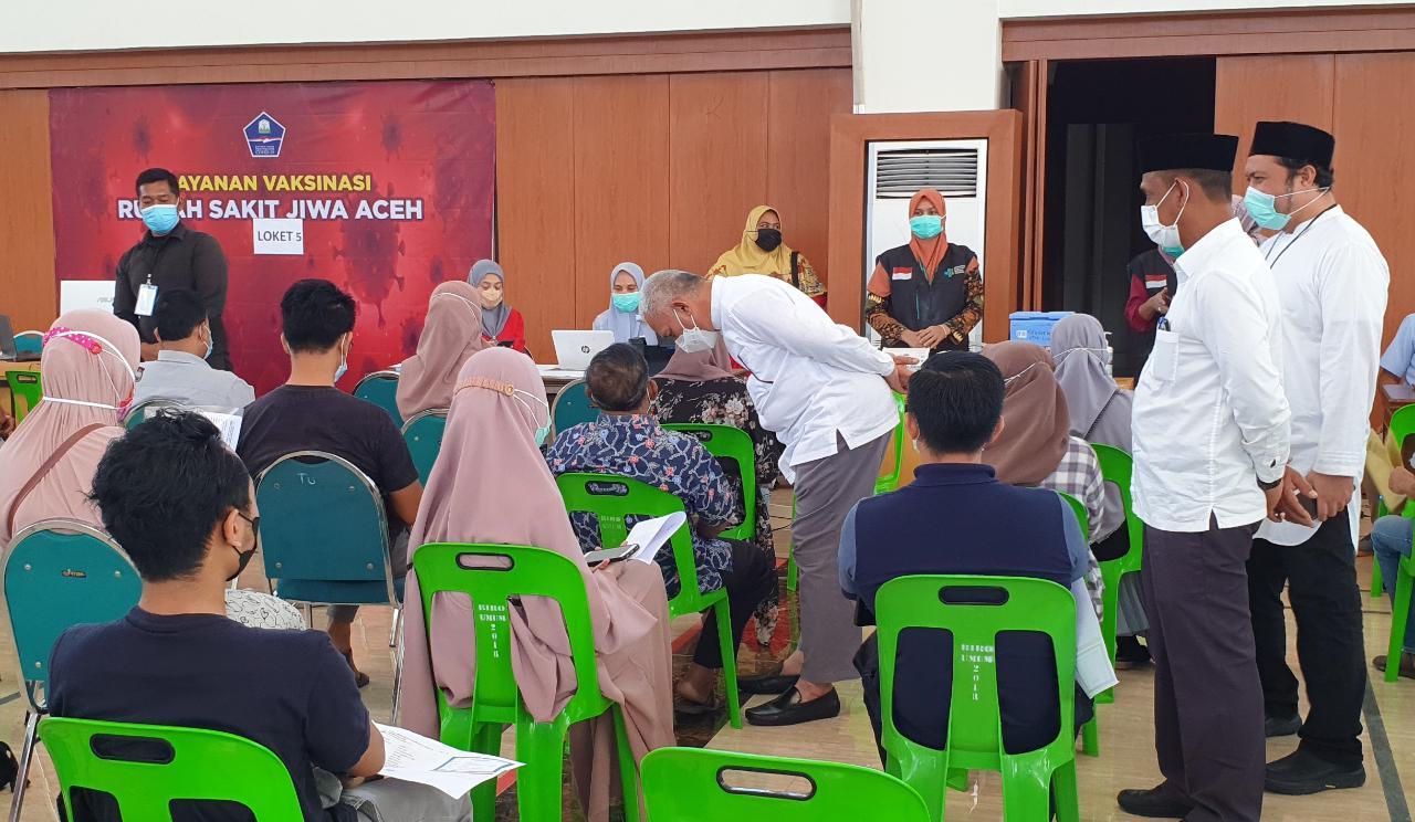 Sekda Aceh Tinjau Pelaksanaan Vaksinasi Massal Gedung Banda Aceh Conventions Hall Media Nanggroe